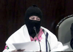 Les zapatistes au Parlement : le commandant Esther...