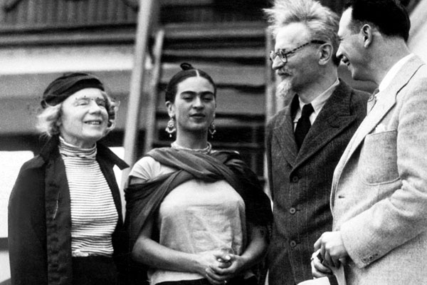 Photo de Frida Kahlo et Léon Trotski à Mexico en 1937...