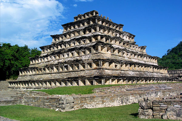 « La Pyramide des Niches » - El Tajín - Mexique